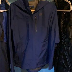 NWT north face size l